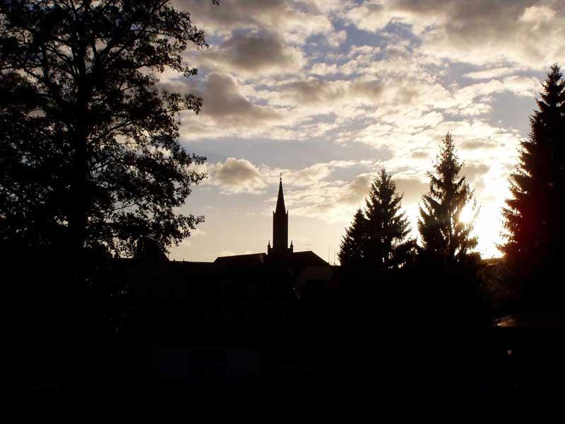 Bild Kirche in der Dämmerung